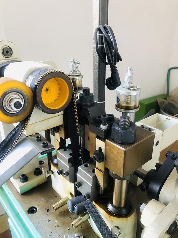 Best zipper stepping machine factory for zipper production-2