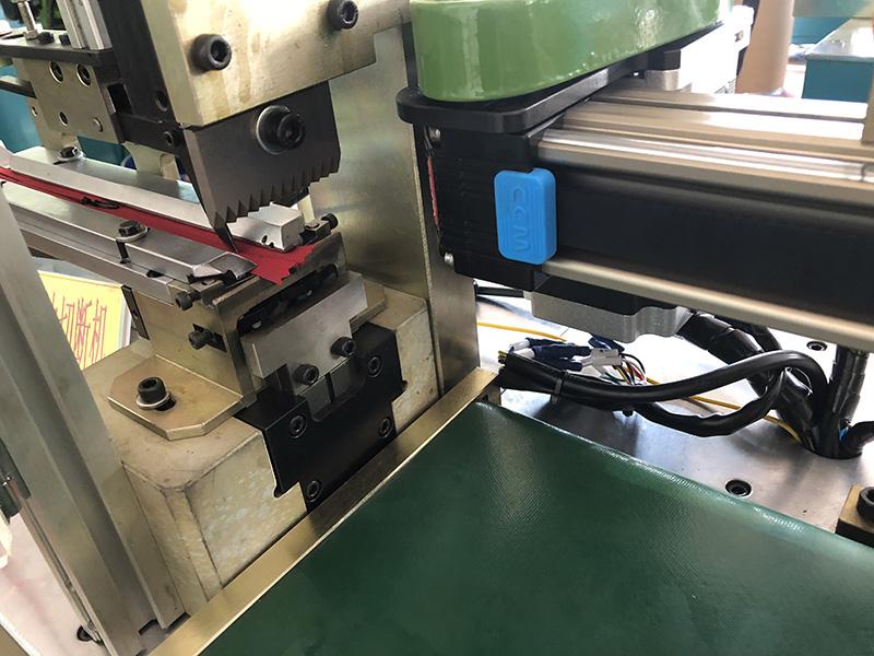 Zhenyu automatic ultrasonic zig zag cutting machine for business for apparel industry-2