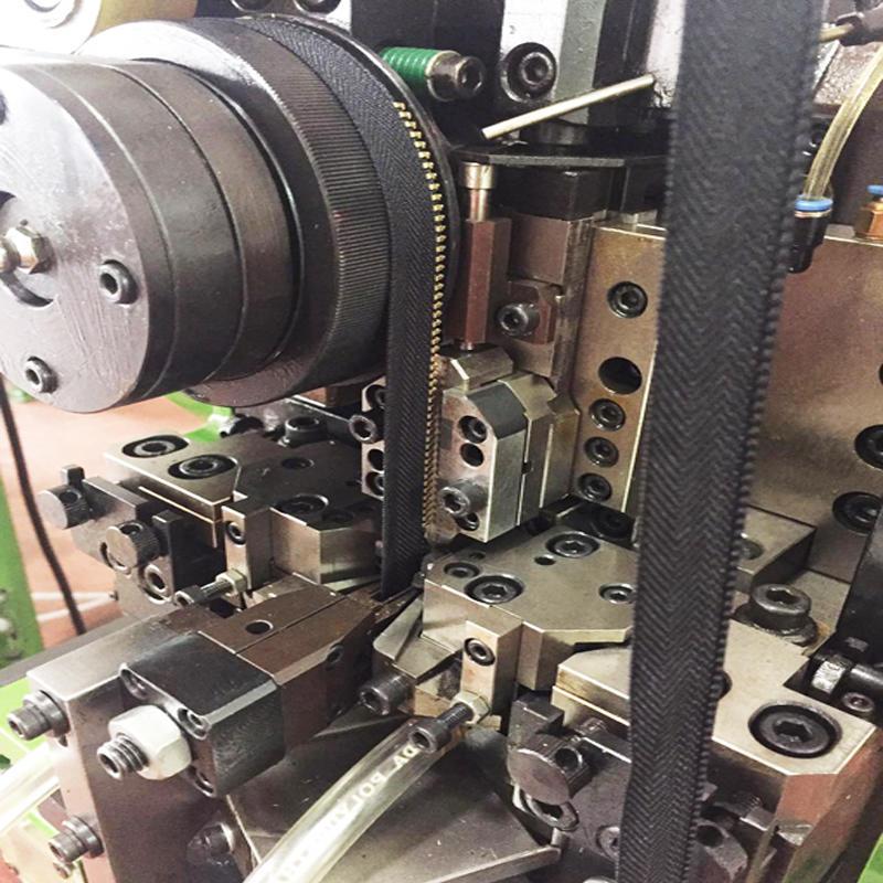 Y Teeth Zipper Making Machine Single Head