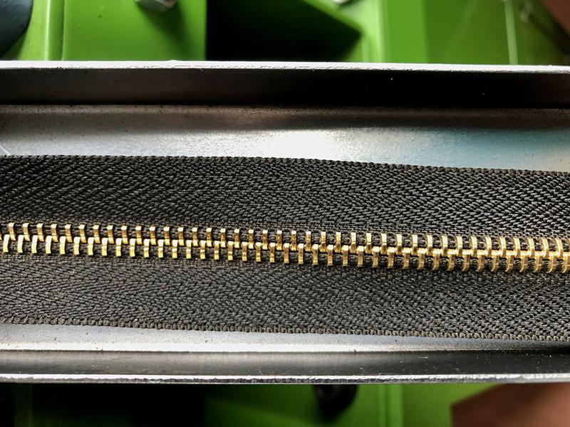 Zhenyu High-quality metal zipper polishing machine manufacturers for apparel industry-3