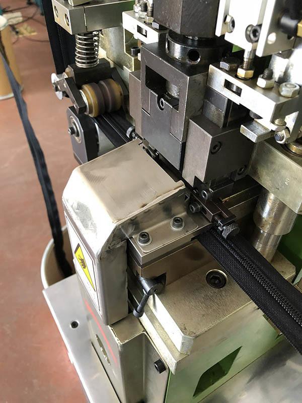 Latest automatic zipper machine manufacturers for zipper production