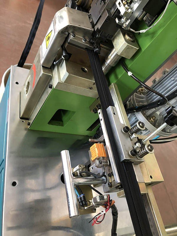 Latest automatic zipper machine manufacturers for zipper production-3