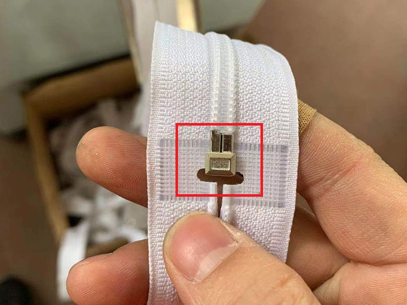 Best zipper box and pin machine manufacturers for apparel industry-3