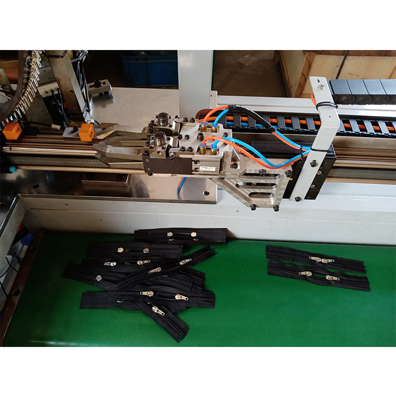 Full-auto Nylon Luggage Zipper (double slider) Making Machine ZY-709N-D