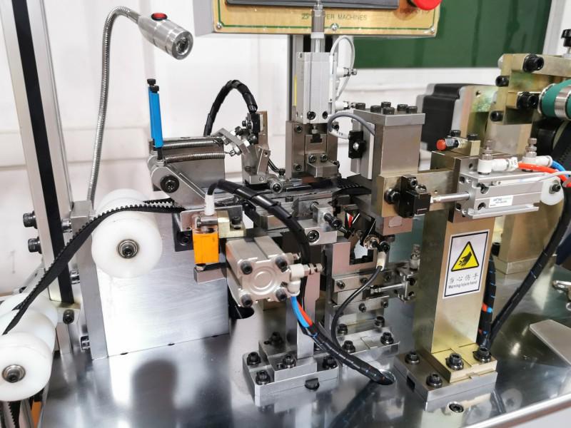 Zhenyu News semi automatic plastic injection moulding machine Supply for molded zipper production-2